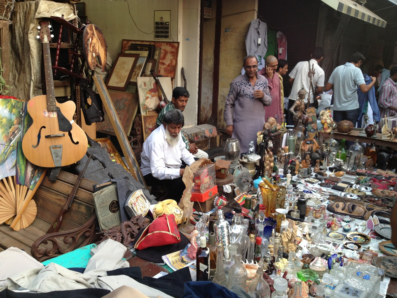 Take a Walk in the Markets of Mumbai