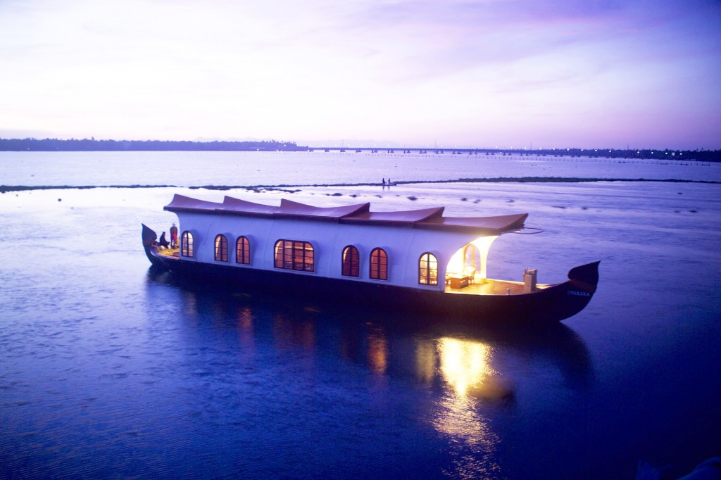 romantic getaway kerala backwaters