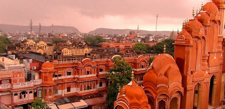 Explore 'Pink City' Jaipur in less than $100!