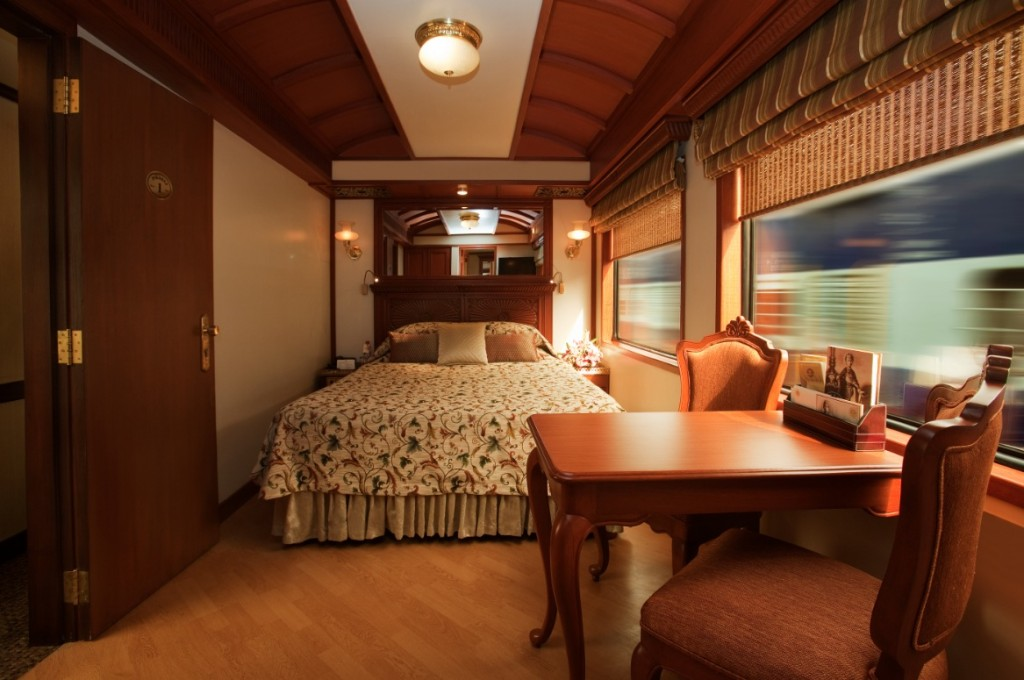 maharaja-express-bedroom-and-side-table