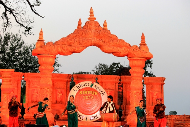 Sound Check: Eclectic confluence of cultural performances at Sirpur
