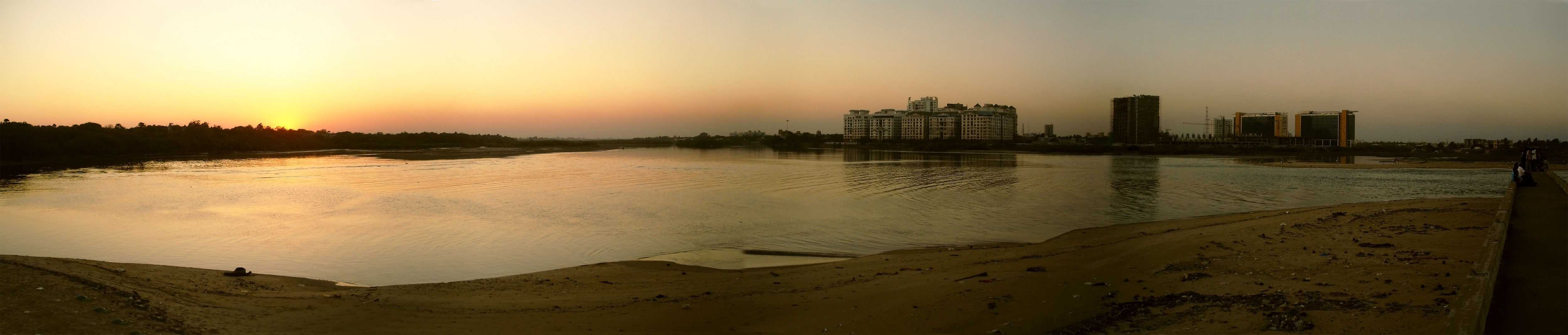 A view of the Adyar estuary from the broken bridge - Planemad | wikipedia