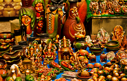 Mementos crafted for thee, in these Handicraft Markets of Delhi