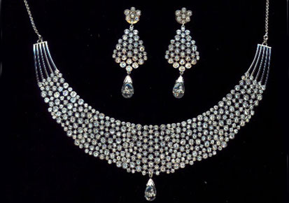 A necklace studded with american diamonds aka cubic zirconia. Image source: asianetindia.com
