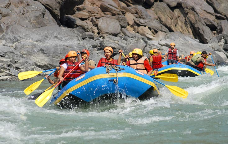 Rafting-Masti-on-Ganges in uttarakhand