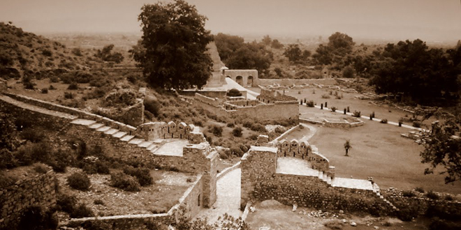 Indias-Most-Haunted-Place-Bhangarh-Fort-Rajasthan