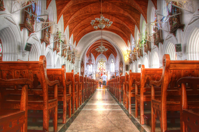 Santhome Basilica, Chennai Picture credits – Vinoth Chandar , flickr